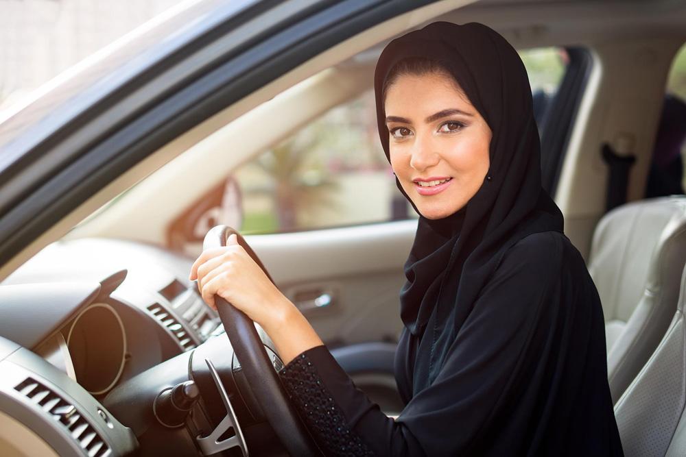 ما هي رسوم رخصة القيادة للنساء 1442 – 2021