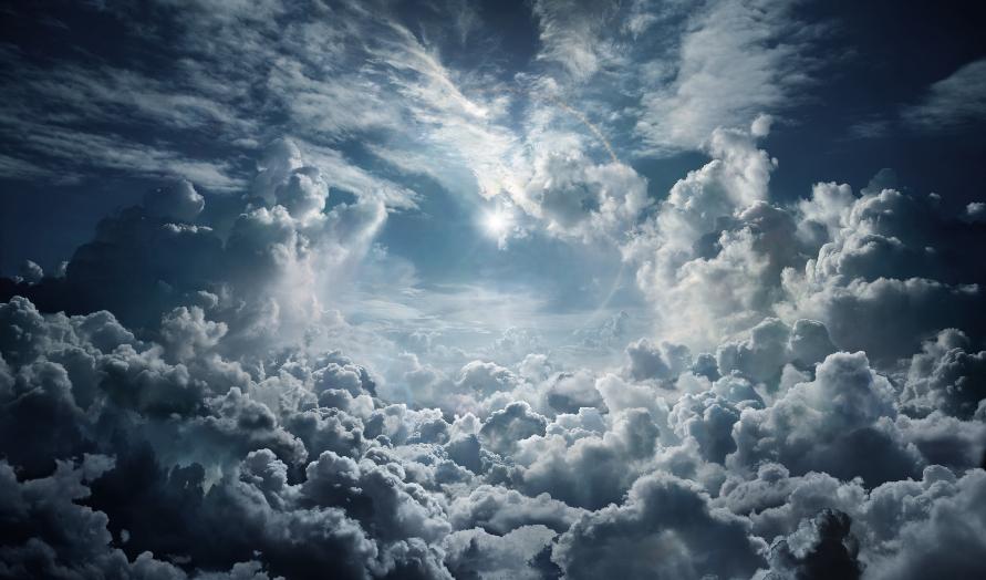 تعد الغيوم الريشية مثالاً على الغيوم