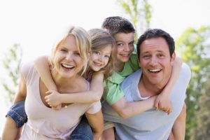 التفاعل مع الأسرة
