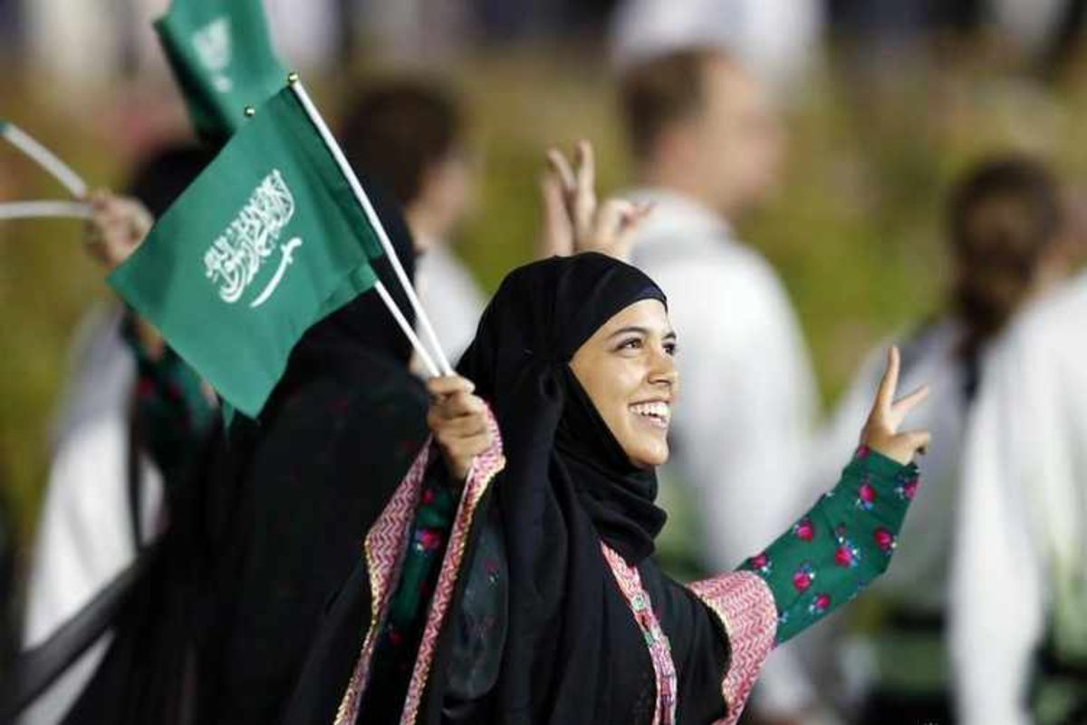 فتح باب التسجيل للمرأة السعودية للانضمام للجيش 1442
