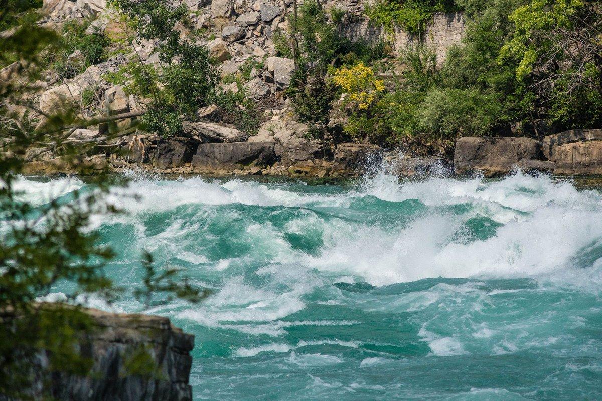 ما هي أشكال المياه على سطح الأرض