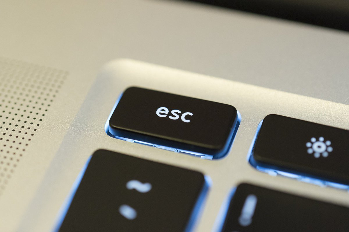 يسمى مفتاح الهروب ويستخدم للخروج من أي مهمه دون إتمامها