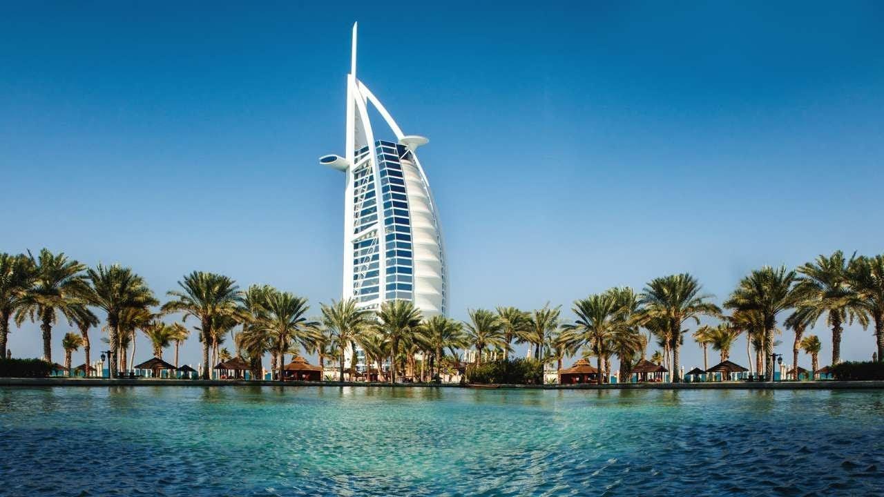 رسوم الإقامة الذهبية في دبي الإمارات 2021