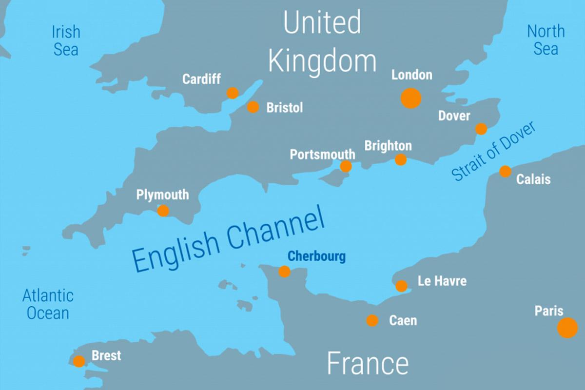 ما هو المضيق الذي يفصل بين بريطانيا وباقي أوروبا