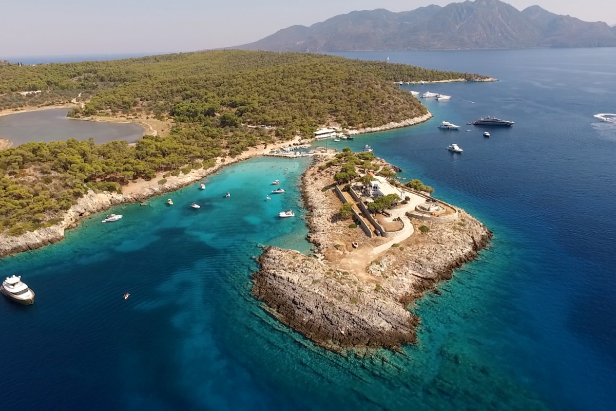 ما هي اكبر جزيرة في البحر المتوسط