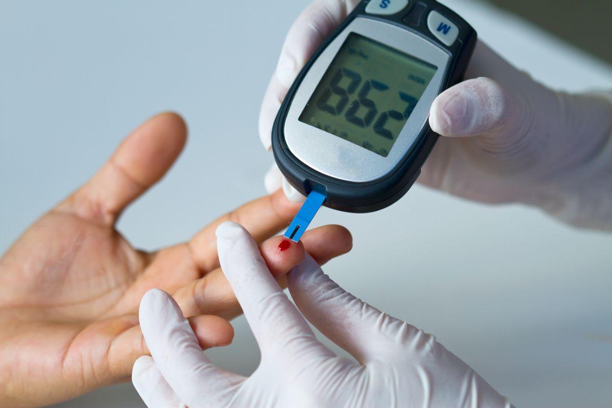 سبب ارتفاع السكر رغم أخذ جرعة الأنسولين
